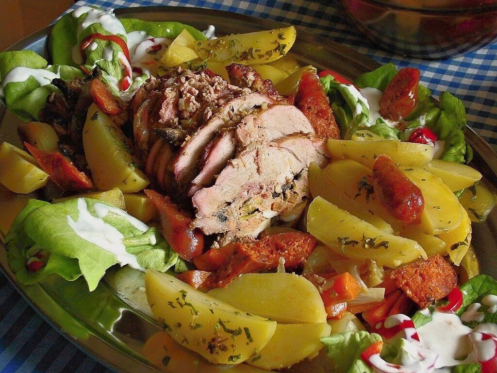 Karloveská mäsová plnená roláda