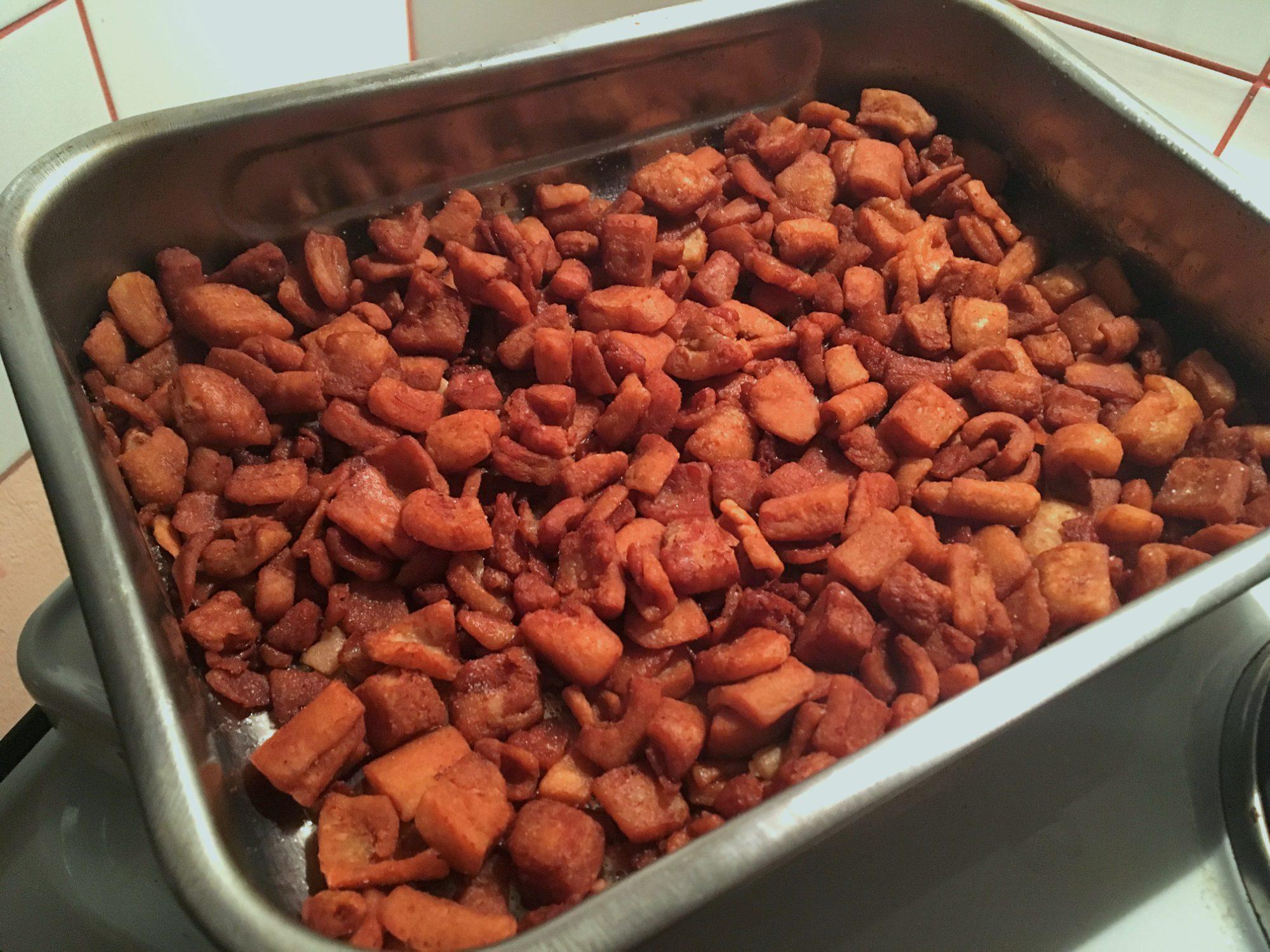 Domáca bravčová masť - Oškvarky - Škvarenie slaniny